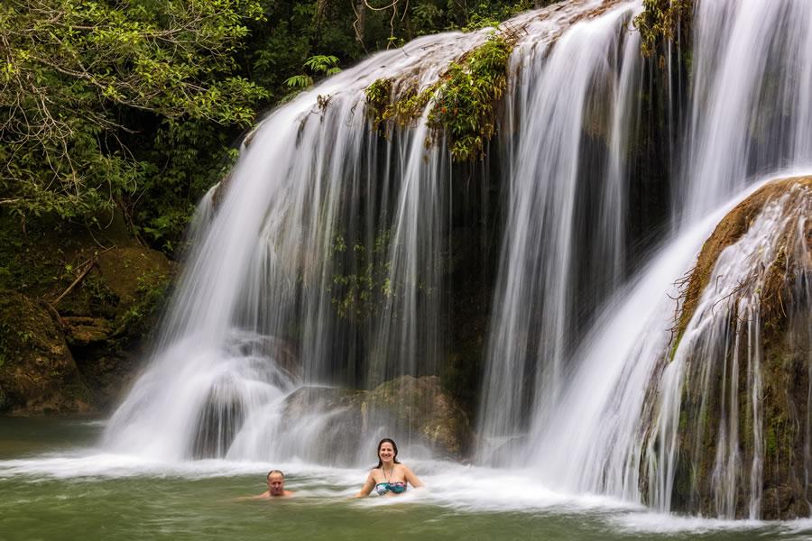 Trilha da Cachoeira da Estância Mimosa